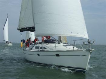 37ft 8 Berth, 3 Cabin Charter Yacht
