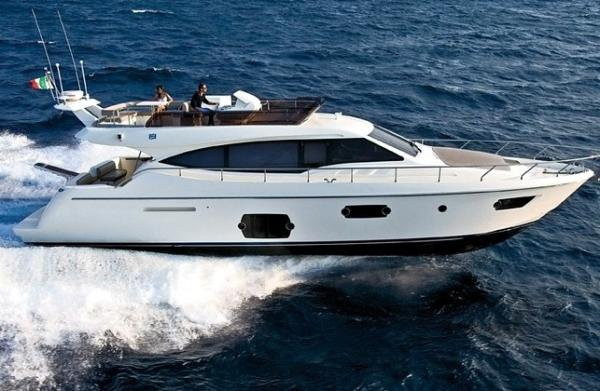 NUMBER OF COWES - Ferretti 570