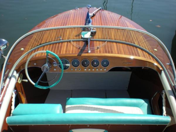 Riva Artison boat charter