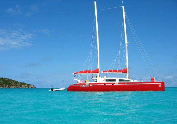 Crewed catamaran 24.60m