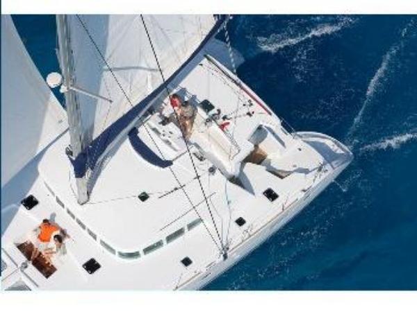Crewed catamaran Lagoon 500 Infinity
